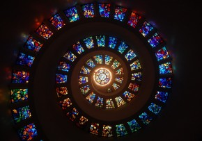 stained glass spiral circle pattern glass religion stained glass window colorful-1051843.jpg!d